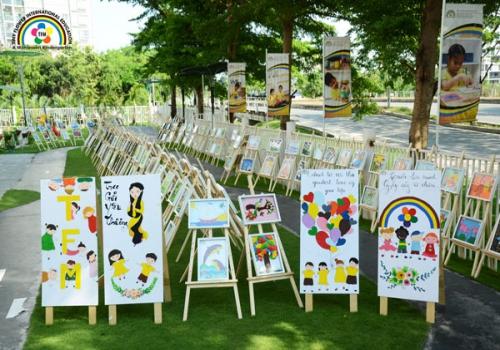 Triển lãm tranh gây quỹ từ thiện