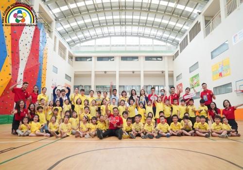 Chuyến đi tham quan trường tiểu học ROYAL của các bạn lớp Lá (5-6 tuổi)