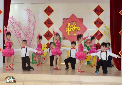 Khiêu vũ Le tour de monde